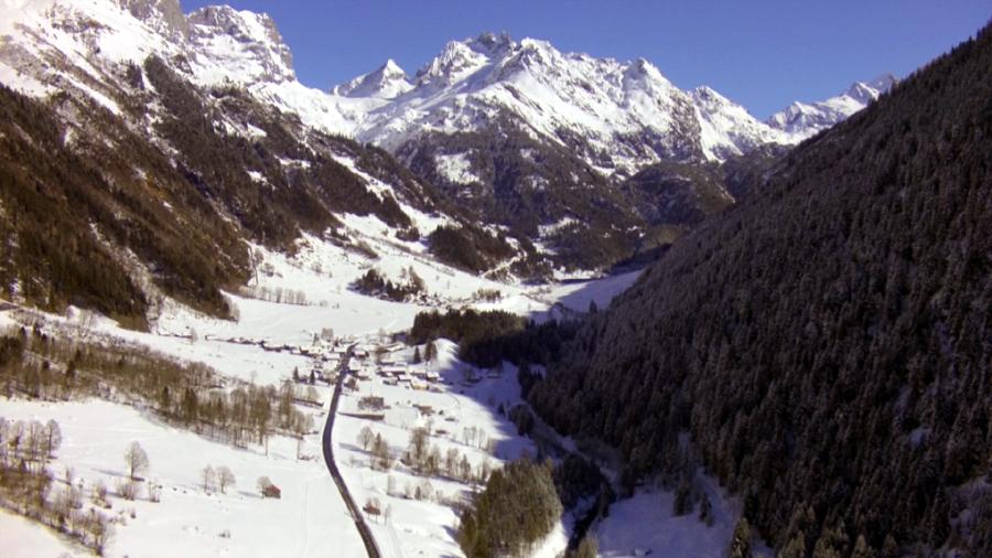 Schweizer Alpen - Kulisse für Luftbilder